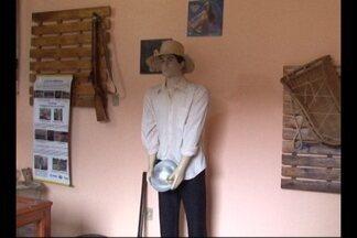 Estudantes visitam museu de Itaituba - Objetivo é conhecer as histórias do passado, cotidiano e natureza.