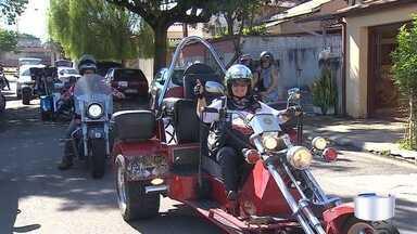 Frio chegou e é hora de ajudar quem precisa com a doação de agasalhos - Em São José, motoclube se uniu em um ato solidário.