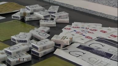 Polícia de SP prende quadrilha que falsificava cigarros - Era uma falsificação de cigarros já falsificados, pois eles imitavam produtos que vinham do Paraguai, para conseguir vender ainda mais baratos do que estes.