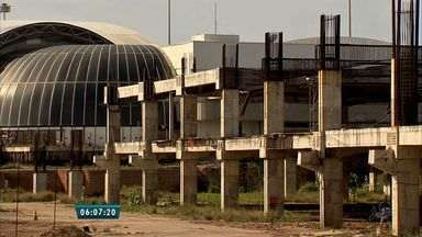 Dois Aeroportos do Estado do Ceará apresentam sinais de má gestão do dinheiro público - O primeiro é o Aeroporto Internacional de Fortaleza que se encontra em reforma para ampliação desde 2014, o segundo é o Aeroporto do Município de Aracati que foi inaugurado mas nunca recebeu voos comerciais.