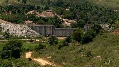 Obras da barragem de Pinheiros são retomadas após 10 anos, no norte do ES - Cidades do Estado já estão com problemas no abastecimento dos moradores. No dia 5 de maio, o governo decretou situação de emergência em todo o estado por causa da estiagem.