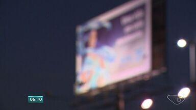 Lonas de publicidade são furtadas no ES - Neste ano, cerca de 80 painéis de publicidade foram furtados.