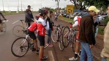 Esporte: atletas apostam em ciclismo para conquistar saúde ou vencer limites - Em Dourados, modalidade é praticada pelos mais velhos.