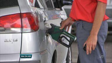 Impostos somam 42% do valor do combustível no Ceará - Postos venderão gasolina sem imposto nesta terça-feira (31).