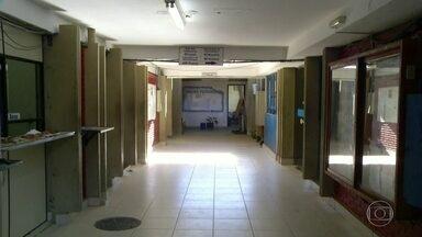 Estudantes começam a deixar escola ocupada em Campos, no norte do estado do RJ - Os alunos da Escola Técnica Estadual João Barcelos Martins disseram que conseguiram um acordo com as autoridades.