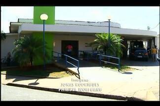 Moradores de Uberaba reclamam de falta de atendimento pelo Sistema Único de Saúde - Denúncias são de demora para cirurgias e transferências por meio do SUS Fácil. Macrorregião conta com apenas um leito do sistema para cada 570 habitantes.