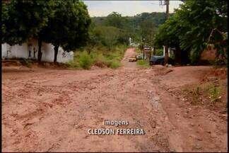 Chuva causa estragos no Bairro São Lucas em Divinópolis - Prefeitura de Divinópolis informou que local foi incluído na programação da Secretaria Municipal de Operações Urbanas.