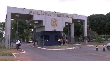 Ex-deputado federal Geraldo Magela presta depoimento na Polícia Federal - Ele é suspeito de ter falhado na fiscalização de cooperativas e facilitado a atuação de quadrilha que cobrava taxas ilegais por lotes do Riacho Fundo.