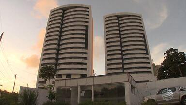 Donos de apartamento reclamam de não poder entrar em imóvel há oito meses - A Tv Bahia tem acompanhado a situação polêmica de um condomínio que fica no bairro de Patamares.