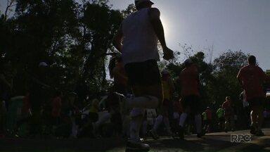 Participantes da Meia Maratona podem retirar os kits a partir dessa sexta-feira - A retirada será no Marco das Três Fronteiras e a corrida está marcada para domingo no Parque Nacional do Iguaçu.