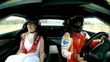 Antes da etapa de Santa Cruz do Sul, piloto leva casal para uma volta no carro da Stock - Antes da etapa de Santa Cruz do Sul, piloto leva casal para uma volta no carro da Stock