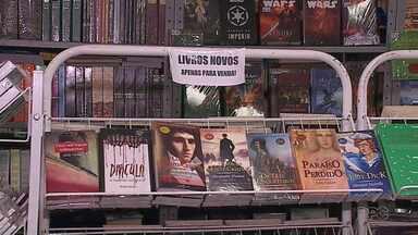 Sebos apostam no atendimento diferenciado para ampliar a venda de livros - Boa parte do faturamento vem das vendas pela internet