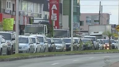 Ainda em fase de teste, semáforos causam transtornos no trânsito do Norte da Ilha - Ainda em fase de teste, semáforos causam transtornos no trânsito do Norte da Ilha