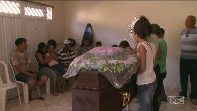 Enterrado corpo de Dj morto durante assalto em Huberto de Campos, MA - Enterrado corpo de Dj morto durante assalto em Huberto de Campos, MA