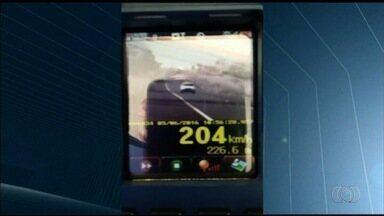 PRF multa mais de 1 mil motoristas por excesso de velocidade em Goiás - Segundo a corporação, todas as autuação foram registradas neste final de semana.
