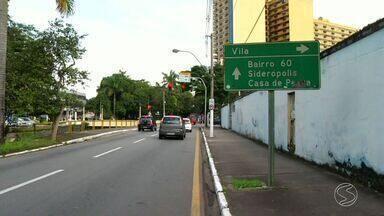 Trânsito sofre mudança no bairro Vila Santa Cecília, em Volta Redonda, RJ - Agora é permitido sair da Rua 41 direto para o bairro Sessenta.