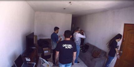 Vídeo mostra em time lapse a renovação da sala de estar do Decora em Ação - Profissionais trabalharam para redecorar o ambiente na casa de uma família de Campinas.
