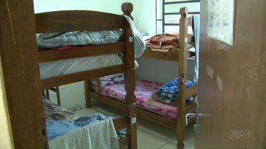 Com o frio os albergues precisam de ajuda - A Apromo em Umuarama acolhe muitas pessoas nesta época e precisa de doações.