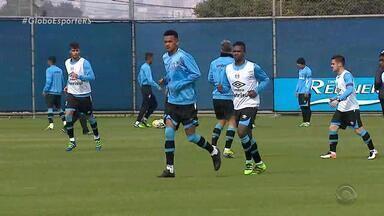 Grêmio embarca para Chapecó ainda nesta terça (14) - Assista ao vídeo.