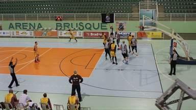 NBPG estreia com derrota na Supercopa Brasil - O Santos do Amapá venceu o time de Ponta Grossa de 79 a 66.
