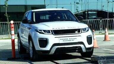 Jaguar Land Rover inaugura fábrica em Itatiaia, RJ - Montadora começa a operar com 400 postos de empregos diretos e traz uma injeção de ânimo ao setor automotivo neste momento de crise.