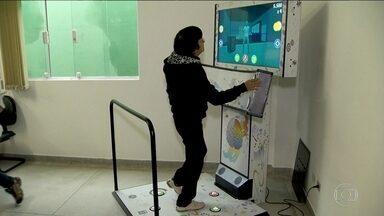 Jogos eletrônicos ajudam a melhor a vida de idosos em São Caetano do Sul - As aulas com jogos eletrônicos, oferecidas pela prefeitura da cidade, estimulam o raciocínio, a memória e até o físico do pessoal da terceira idade.