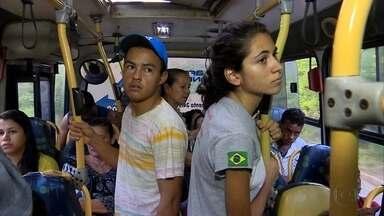 Moradores de Jaboatão reclamam de ausência de ônibus ligando Barra de Jangada ao Cabo - Para sair de uma cidade à outra, moradores precisam pegar, no mínimo, dois coletivos diferentes