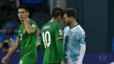 Com Messi em campo, Argentina bate a Bolívia e está nas quartas de final da Copa América - Os hermanos venceram a partida por 3 x 0.