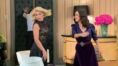Flávia Alessandra brinca em cena: 'Já tenho um grande histórico de tapas na carreira' - Ao lado de Guilhermina Guinle, atriz mostra os bastidores da cena em que suas personagens se engalfinharam em 'Êta Mundo Bom!'