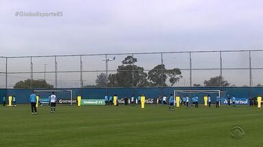 Com Walace e Grohe, Grêmio enfrenta a Chapecoense em Chapecó, RS - Jogadores encontraram a equipe do aeroporto Salgado Filho.