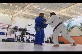 Lutador de Jiu-jítsu retorna a Uberlândia após intercâmbio de luta nos EUA - Depois de uma temporada nos Estados Unidos, o lutador Tiago Rocha está de volta a Uberlândia e mostra o que aprendeu em terras norte-americanas