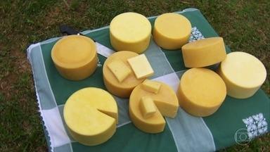 Globo Repórter experimenta os famosos queijos da Mantiqueira - Produto artesanal foi criado na época das tropeadas, quando foi preciso fabricar um queijo que durasse mais tempo.