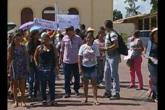 Professores protestam contra a falta de estrutura das escolas municipais de Inhangapi - Professores denunciam que a merenda escolar anda em falta para os alunos da rede pública de ensino