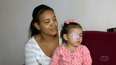 Família recorre ao MP para conseguir alimento especial para filha, em Itumbiara - Diante da dificuldade em conseguir os alimentos, muitas pessoas estão procurando a Justiça para que os pacientes não fiquem sem os suprimentos.