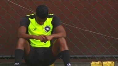 Em uma rotina de desperdício de gols, Botafogo enfrenta vice-líder Internacional - Depois do empate com o Figueirense em casa, time continua na zona de rebaixamento. Fogão não vence desde o dia 22 de maio, o que torna a disputa contra o time Gaúcho mais difícil.