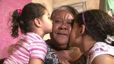 Avó reencontra neta desaparecida depois de dois anos - A neta Heloísa havia desaparecido junto com a mãe, em janeiro de 2014. Até hoje a mãe, Patrícia, não foi encontrada.