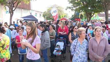 RPC na Praça animou a tarde de moradores de Marialva - Teve brincadeiras, shows, pipoca e algodão doce.
