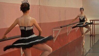 Em Ponta Porã, a dança é o tema no quadro 'Abraçando a Causa' - Em Ponta Porã, a dança é o tema no quadro 'Abraçando a Causa'