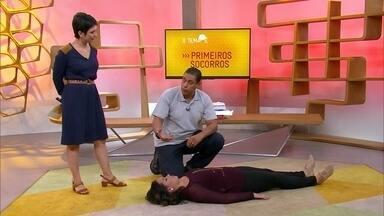 O tema é primeiros socorros - No estúdio, o coordenador de enfermagem da Cruz Vermelha, Roberto dos Santos, responde às perguntas de internautas e telespectadores sobre primeiros socorros.