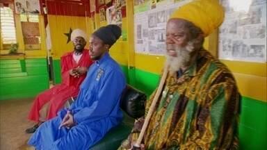 Comunidade Rastafári mais fechada da Jamaica não segue leis do país - Eles acreditam viver num território independente. Os rastafáris sonham em voltar à África, que respeitam como a Terra Mãe.