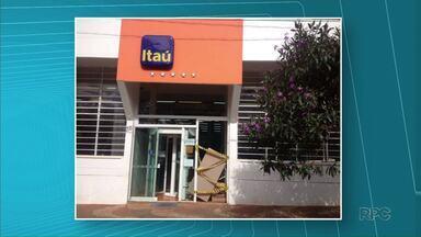 Três bancos na região de Tapira são alvo de ladrões - Uma dinamite foi deixada em um dos locais.