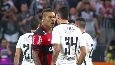 Pedro Henrique se destaca em vitória do Corinthians e encara Guerrero durante o jogo - Pedro Henrique se destaca em vitória do Corinthians e encara Guerrero durante o jogo
