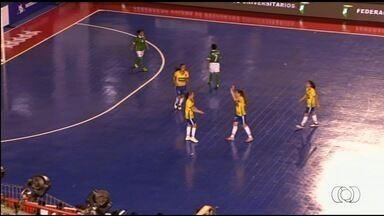 Seleção feminina goleia na abertura do Mundial Universitário de Futsal - Brasil atropela a Bolívia por 12 a 1 na estreia, em Anápolis