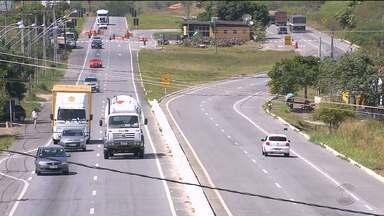Lei passa a exigir faróis de veículos acesos nas estradas - A determinação começa a valer a partir da próxima sexta-feira.