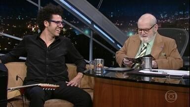 """Jô Soares entrevista o músico Hamilton de Holanda - Ele está lançando o disco """"Samba de Chico"""", uma homenagem a Chico Buarque"""