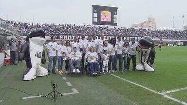 Atletas recebem homenagem com um mês para o início dos Jogos Olímpicos - Atletas que participaram do grande evento esportivo estiveram na Vila Belmiro e receberam uma linda homenagem.