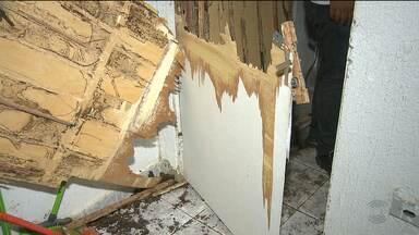 Bandidos arrombam casa lotérica em Barra de Santana, PB - Eles arrombaram a porta da frente e levaram dois cofres.