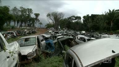 Dona de Sucatão é presa com dezenas de caixas de marcha adulteradas em São Luís - Dona de Sucatão é presa com dezenas de caixas de marcha adulteradas em São Luís