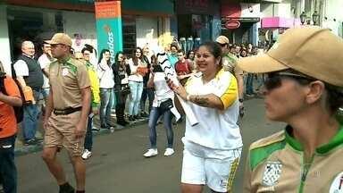 Tocha Olímpica passa por cidades do Rio Grande do Sul - A chama Olímpica se revezou nas cidades de Lajeado, Santa Cruz do Sul e Santa Maria. O revezamento continua pelo interior gaúcho nesta quarta-feira (6).