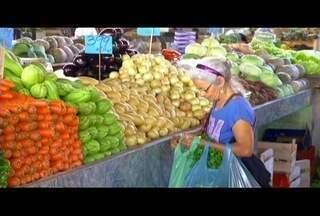 Entressafra e crise econômica elevam os preços de verduras e legumes no interior do RJ - Aumento é percebido com uma ida ao supermercado.